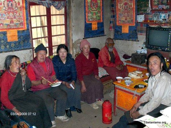 Lamas family in Tibet